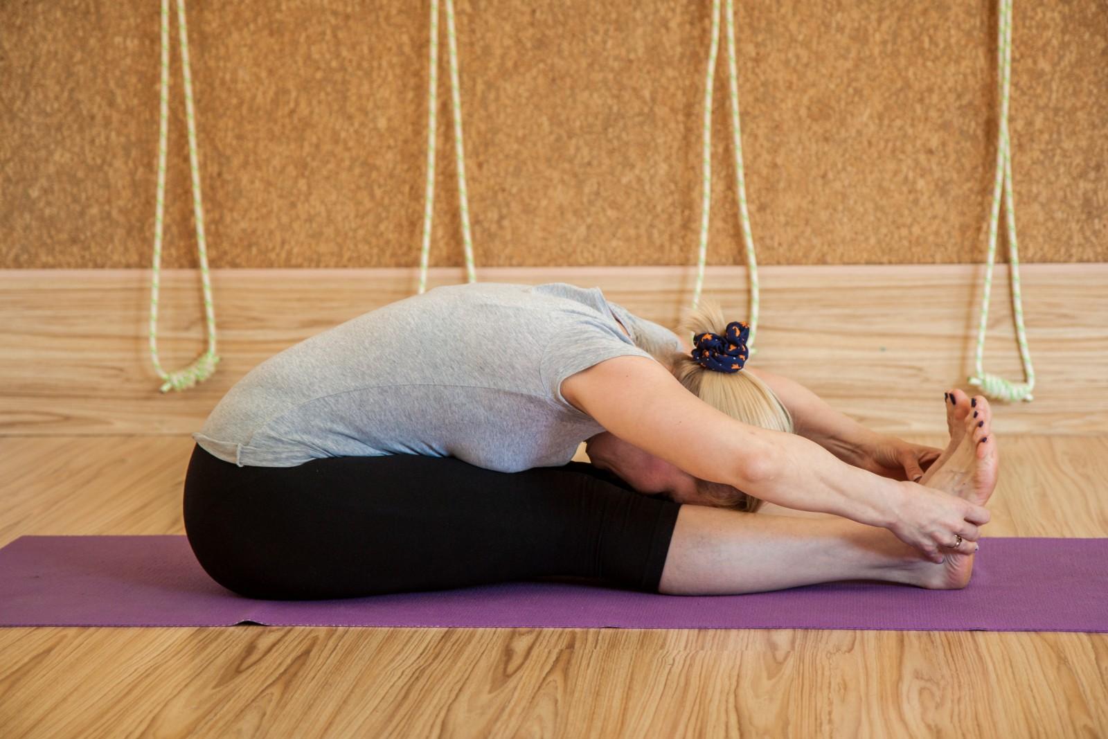 Проводятся часы по кундалини йоге, йоге айенгара, хатха йоге, гонг-медитации